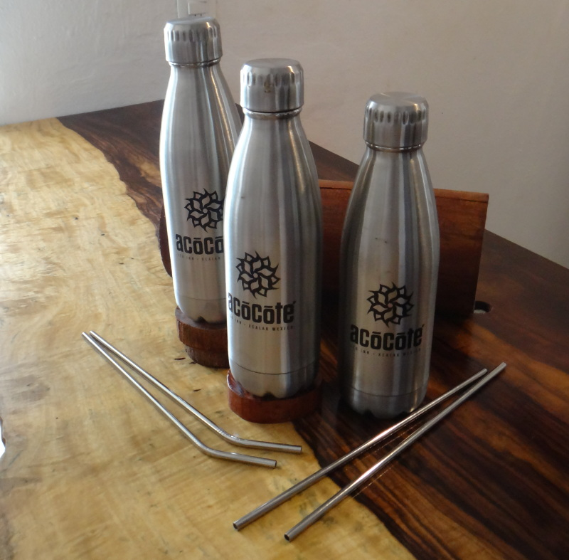 Stainless steel insulated water bottles